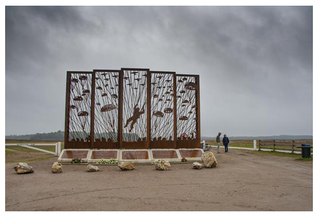 foto's, Airborne Monument & Landmark Ginkelse Heide, Ede, Gelderland, Nederland